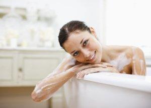 Bagno Rilassante Con Oli Essenziali : La magia del bagno con oli essenziali nuva prodotti